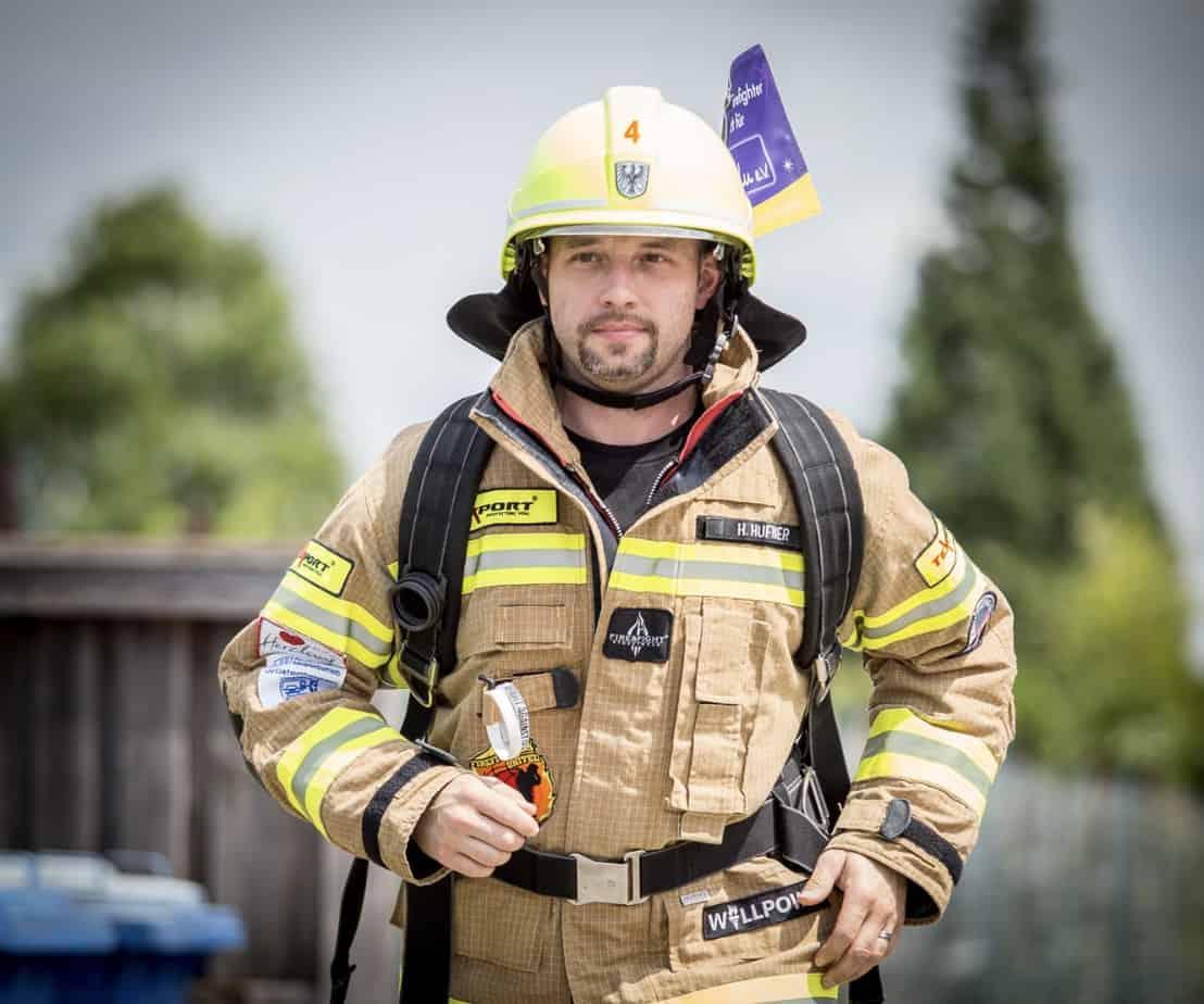Running Firefighter Holger